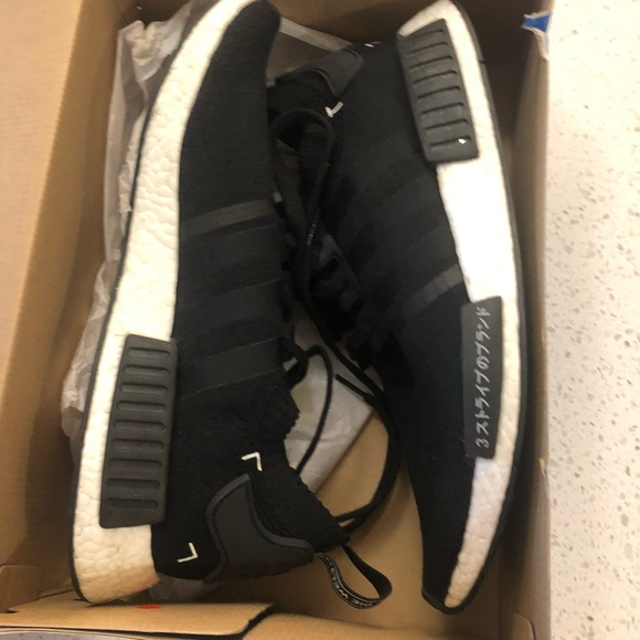 51d1bdc8a40e7 adidas Other - Adidas NMD R1 PK Japan pack 🔥